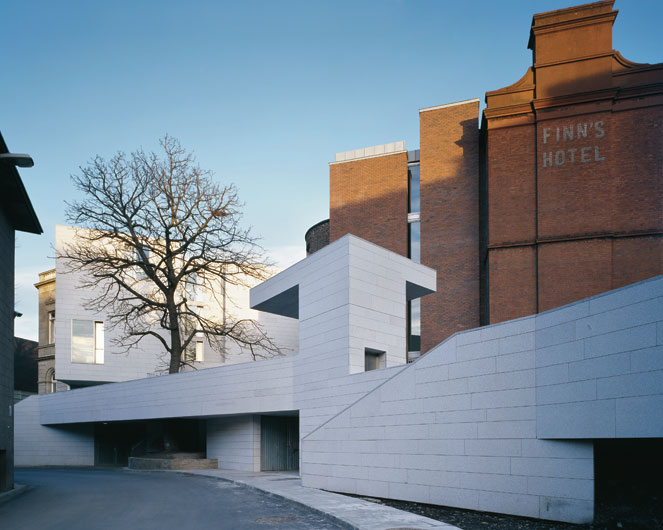 Dept of m m engineering grafton architects for Grafton architects